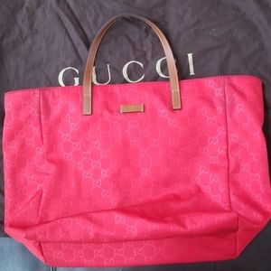 Gucci shoppers tote
